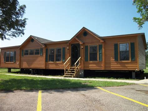 double wide mobile homes bedrooms  bath interior  vary  model   double
