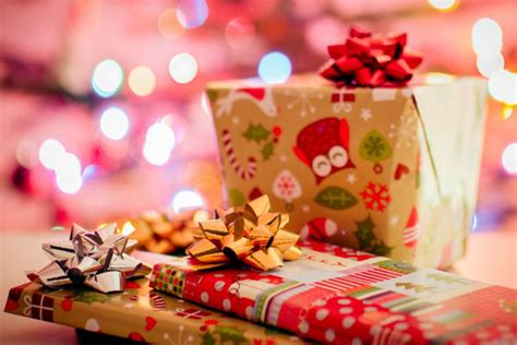 the best christmas gifts for employees