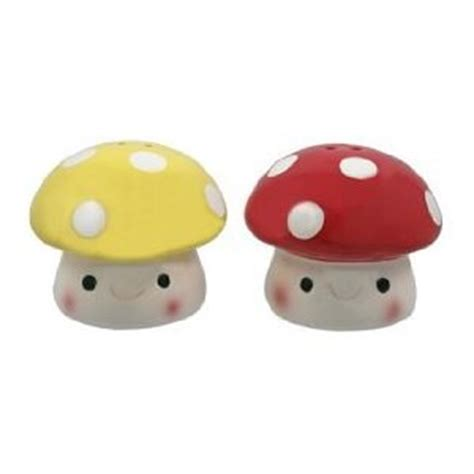 cool salt pepper shakers which look like mushrooms cute interesting salt and pepper shakers
