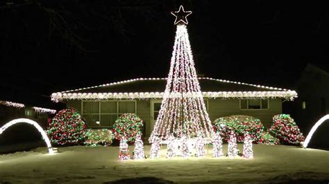2013 Amazing Christmas Lights Synced To Music Trans Synced Lights