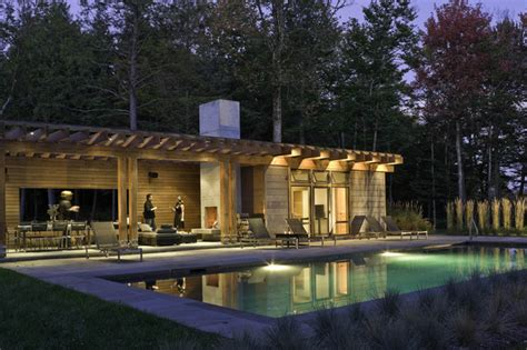 pool houses pool pool house contemporain piscine burlington