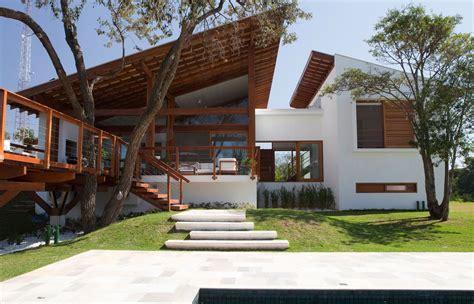 cuanto cuesta hacer una casa moderna planos de casas hermosa fachada de casa de co moderna arquitectura