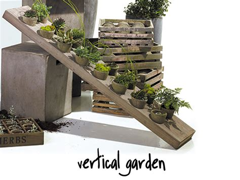 Diy Vertical Garden Kit Vertical Garden With Containers Diy Projects Vertical