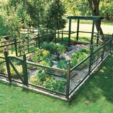 Fencing Ideas For Vegetable Gardens 25 Ideas For Decorating Your Garden Fence Diy Garden Fencing Vegetable Garden And Fences