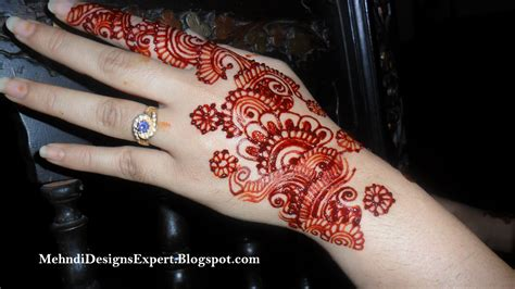 design henna simple di kaki gambar terbaru henna di payudara gambar tato bunga di