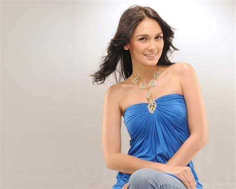 lovely girl luna maya