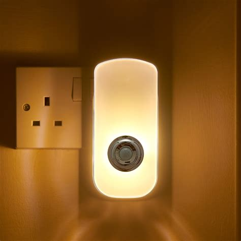 plug in pir motion sensor led night light emergency