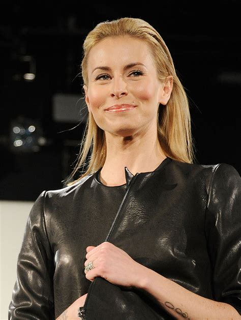 red cross to laud supermodel niki taylor supermodel niki taylor who s on this year s celebrity