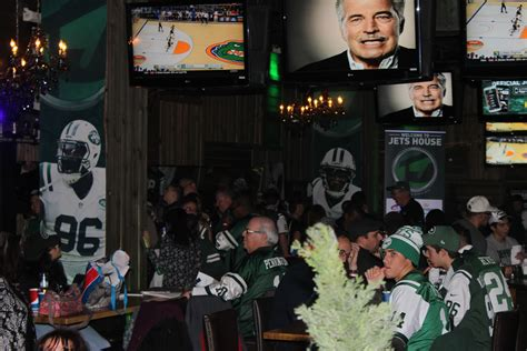 jets house gang green welcomes fans at 3rd annual jets house localbozo