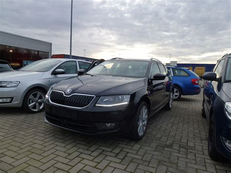 skoda black magic skoda octavia combi eb 1 6 tdi dsg black magic