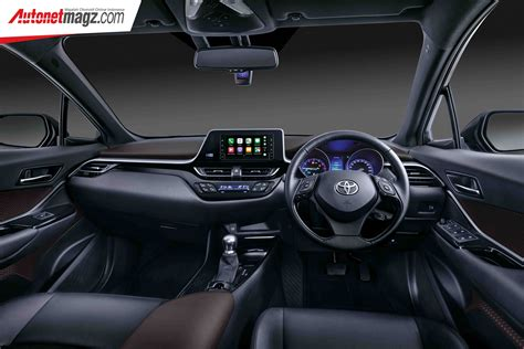toyota  hr  interior autonetmagz review mobil