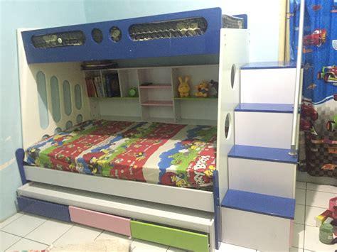 Tempat Tidur Bed Quantum jual tempat tidur anak tingkat bunk bed 3 susun smu
