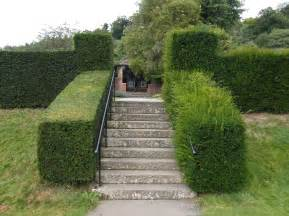 the cutting hedge of gardening chartwellgardensnt