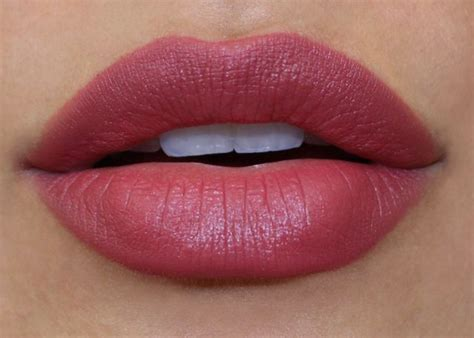 Lipstik Hughes revlon colorburst matte balm in sultry fashionista smooth revlon matte and