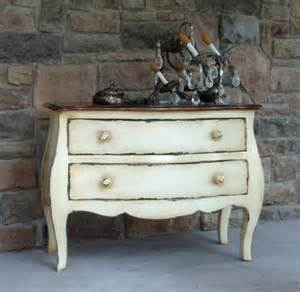 how to distress furniture shabby chic decorating with distressed furniture www nicespace me
