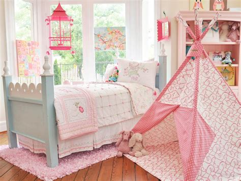 Tents With Bedrooms by Traditional Bedroom With High Ceiling By Pendley Re Max Integrity Zillow Digs Zillow