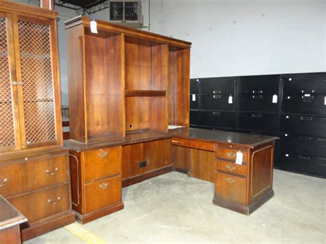 furniture warehouse desks used wooden desk used desks office furniture warehouse