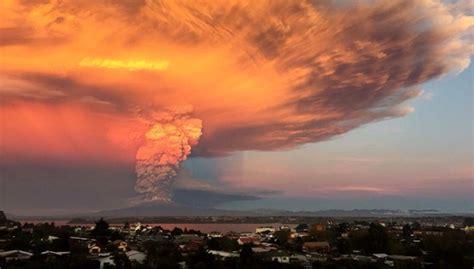imagenes satelitales volcan calvuco establecen alerta sanitaria en chile tras erupci 243 n del