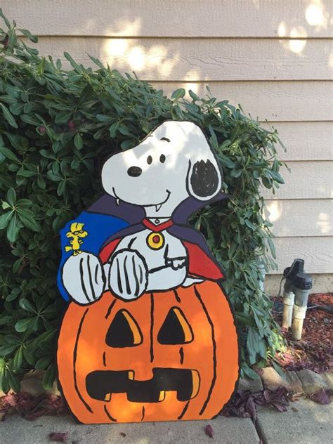 charlie brown gang outdoor 1000 images about yard on yard decorations chip and dale and brown
