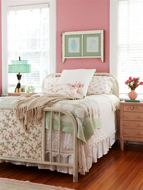 pink red bedroom bedroom decorating in pink and red better homes and