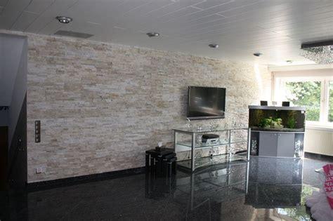 steinriemchen wohnzimmer natursteinwand wandverblender verblender riemchen