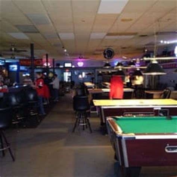 Musette Bar 13 Reviews Bars 6020 Maple St Benson Pool Tables Omaha