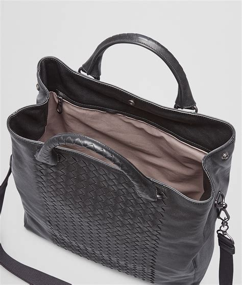 bottega veneta nero intrecciato washed nappa tote bag in black for nero lyst
