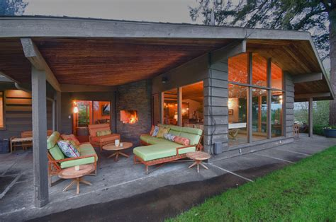 outdoor covered patios Exterior Midcentury with concrete