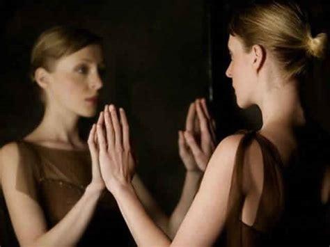 frasi citazioni e aforismi su narcisismo egocentrismo e
