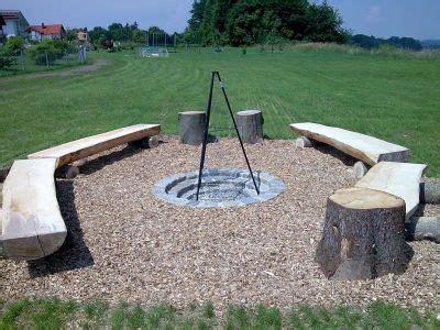 gemauerte grillstelle sitzplatz um feuerstelle garten