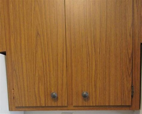 wood veneer kitchen cabinets wood veneer or something else doityourself com