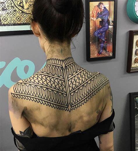 pattern upper back tattoo geometric pattern best tattoo ideas designs