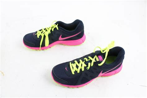 nike shoes size 11 nike running shoes size 11 property room