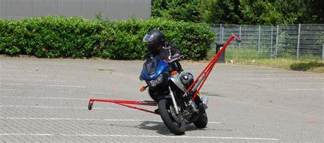 Fahrsicherheitstraining Motorrad L Neburg by Start Meuser Motorradtraining Sicher Mit Dem Motorrad