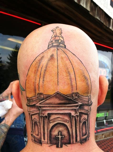 notre dame tattoo now this is a real notre dame fan golden dome