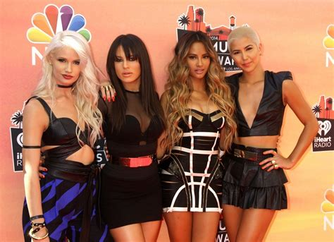g r l g r l picture 1 2014 iheartradio music awards arrivals