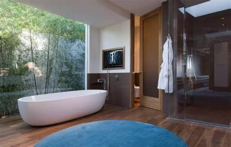 perrys bathrooms matthew perry s hollywoodian bachelor pad by whipple
