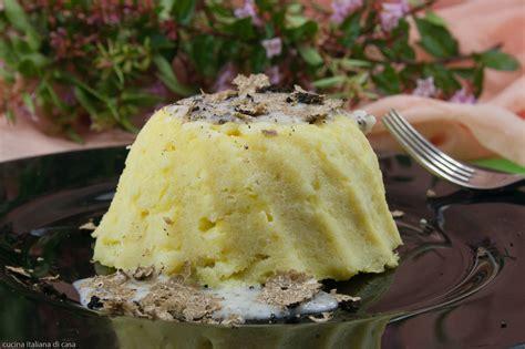 cucinare con il tartufo spuma o sformato di patate al tartufo nero ricette di cucina