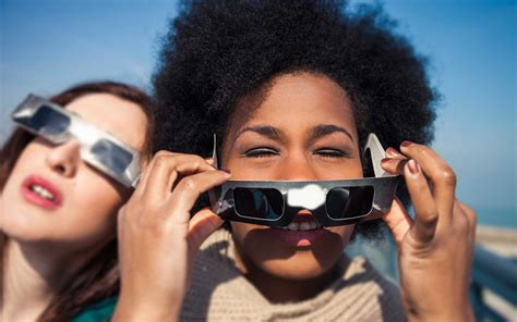 Eclipse Glasses Giveaway - when and when not to use your solar eclipse glasses on