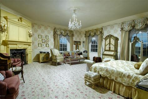 Donald Trump Bedroom | donald trump s former mansion hits market for 54 million