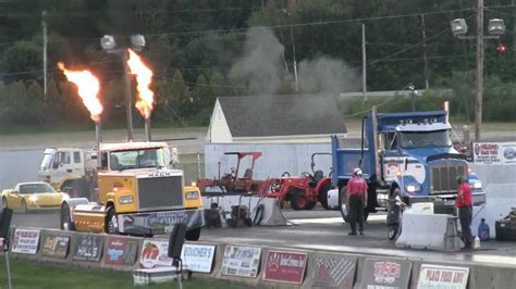 Peterbilt Truck Racing my peterbilt is faster than your honda big rig drag race