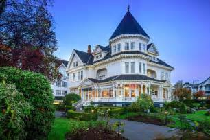 victoria accommodations victoria hotel accommodations book gatsby mansion inn victoria canada hotels com
