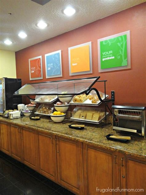 does comfort inn have free breakfast friendly staff and free breakfast at the comfort inn on