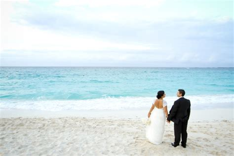 Nick Vacation In The Bahamas by Solmaz And Nick S Destination Wedding In Nassau Bahamas