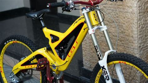 Kaos Sepeda Rock Shox 2 Downhill jual beli sepeda downhill gt fury custom bekas sepeda