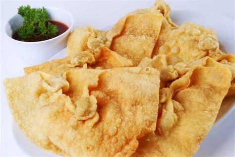 pangsit goreng love  food  drinks pinterest