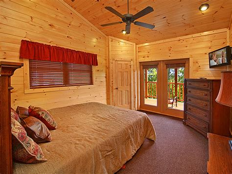 10 bedroom cabins in gatlinburg gatlinburg cabin mount leconte mansion 10 bedroom