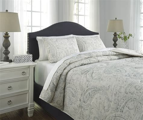 green coverlet king darcila sage green and cream king coverlet set q275003k