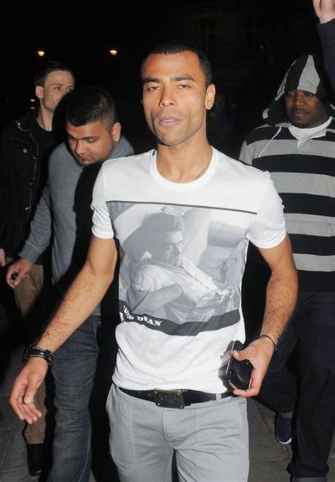black celebrity t shirts celebrities wearing celebrity t shirts celebrities