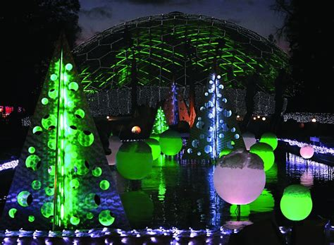 Botanical Garden Glow Best Bets In Baseball Garden Glow A Carol Thanksgiving Day Parade And
